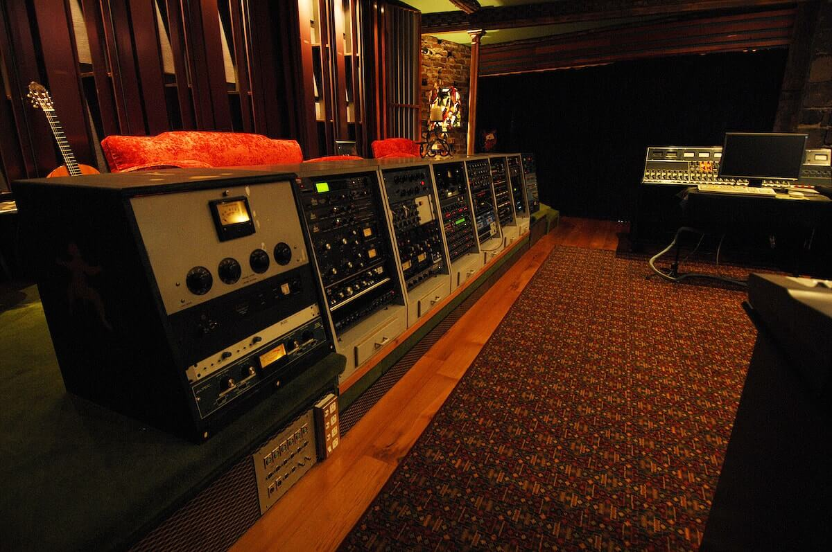 mixing mastering classic outboard